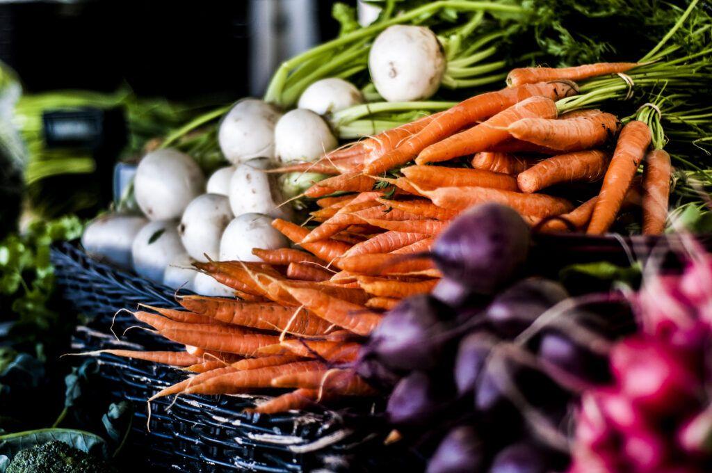 Hunajanauris,m porkkana, punajuuri, retiisi